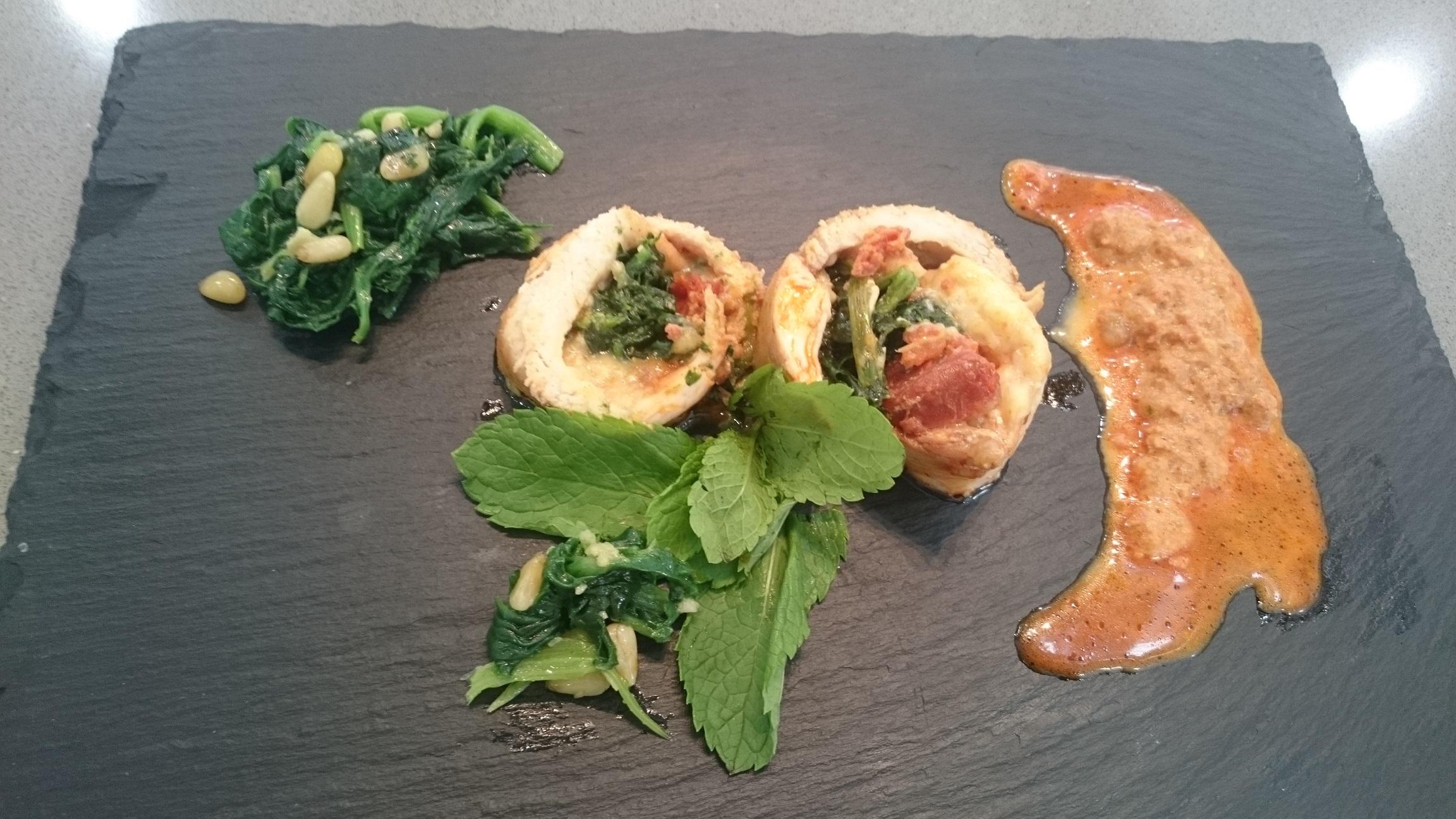 Pechugas de pollo con sobrasada, queso de Mahón y espinacas con Thermomix® .TM-5, TM-31
