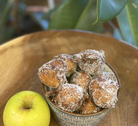 Bunyols de poma / buñuelos de manzana